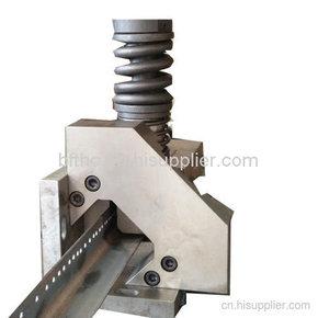 角钢剪断冲孔一体模具2